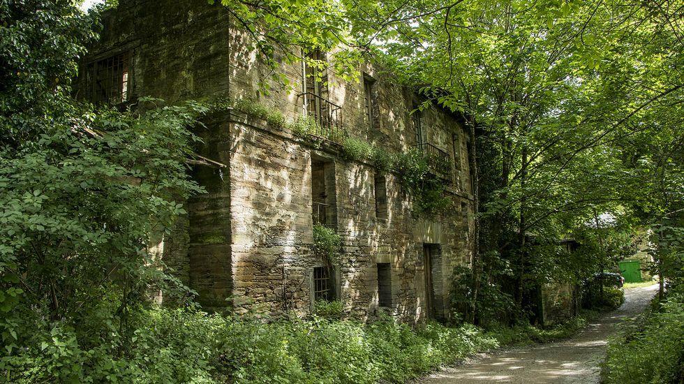 Recorrido en imágenes por una histórica fábrica de hierro.Concentración de examinadores de Tráfico