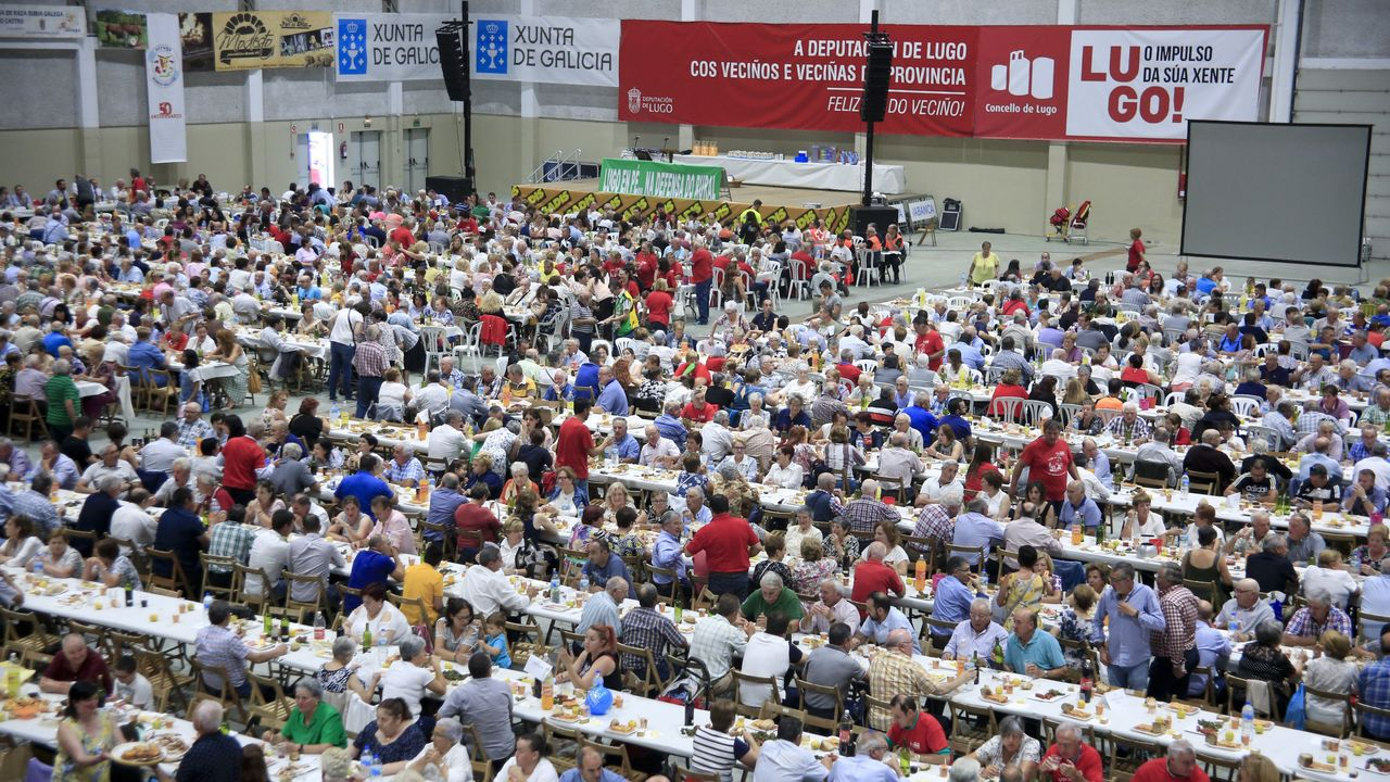4.000  veciños  comen en Lugo