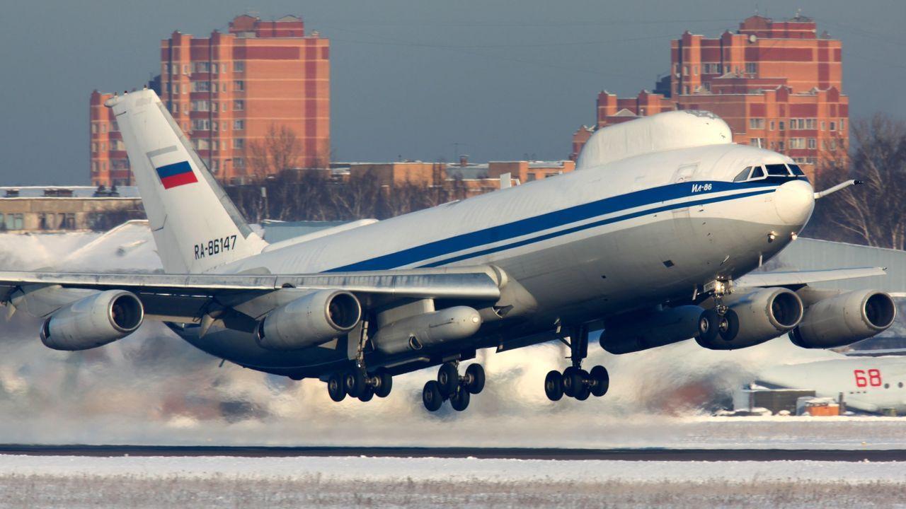 Ilyushin Il-80, aterrizando en la región de Moscú