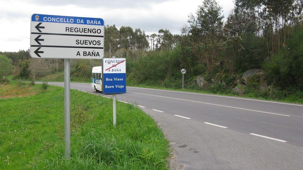 Las imágenes de la cumbre sobre el futuro del puerto de A Coruña.Lores y Ethel Vázquez visitaron la nueva senda peatonal en el trazado del camino portugués en la PO-225, en Alba