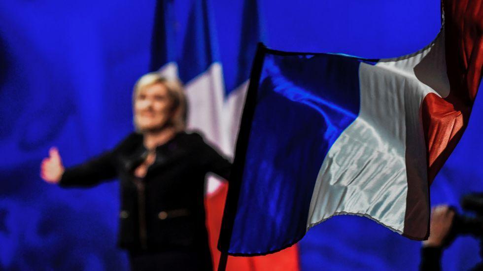 Le Penarranca su campaña con la intención de emular a Trump y el «brexit».François Fillon