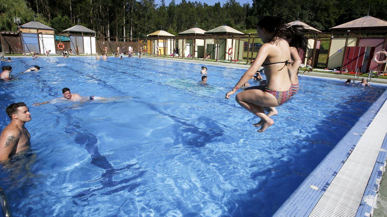 La piscina municipal de Moeche, en el área de Soutogrande, antes de la pandemia