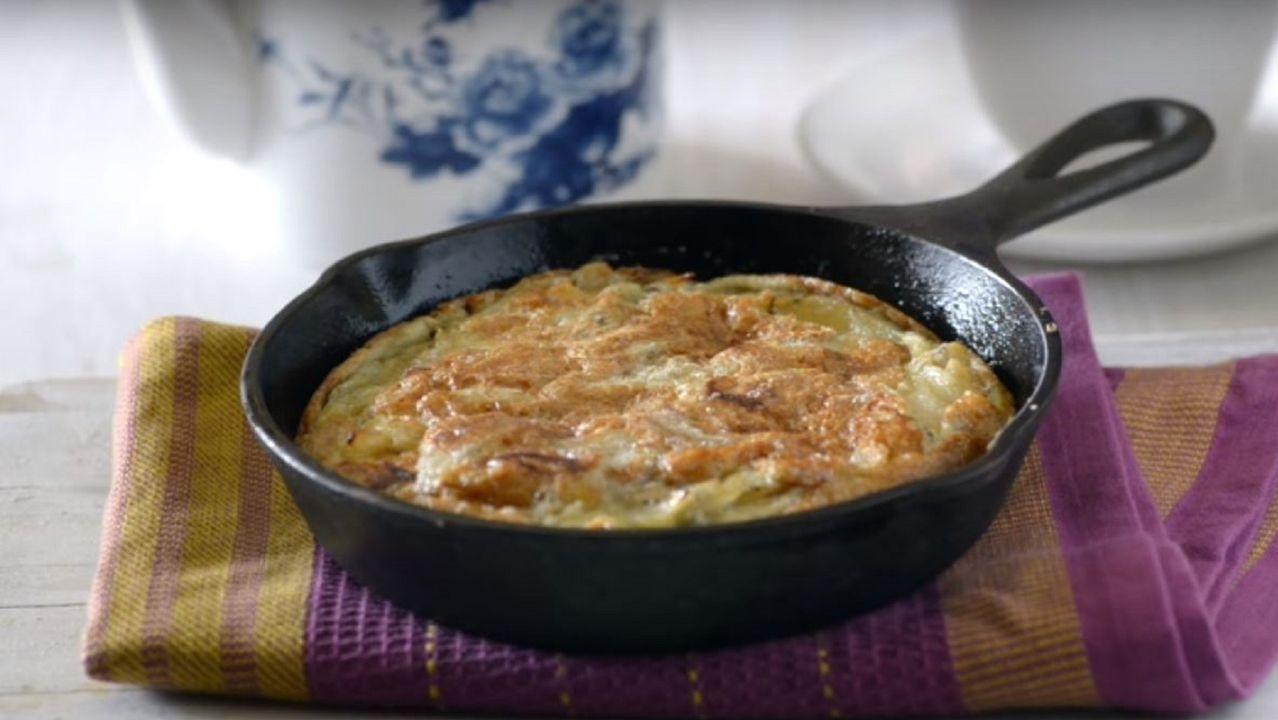 Para los creadores de Aún Pillas Tortillas! la receta más vista de tortilla se parece más a un bizcocho que a otra cosa