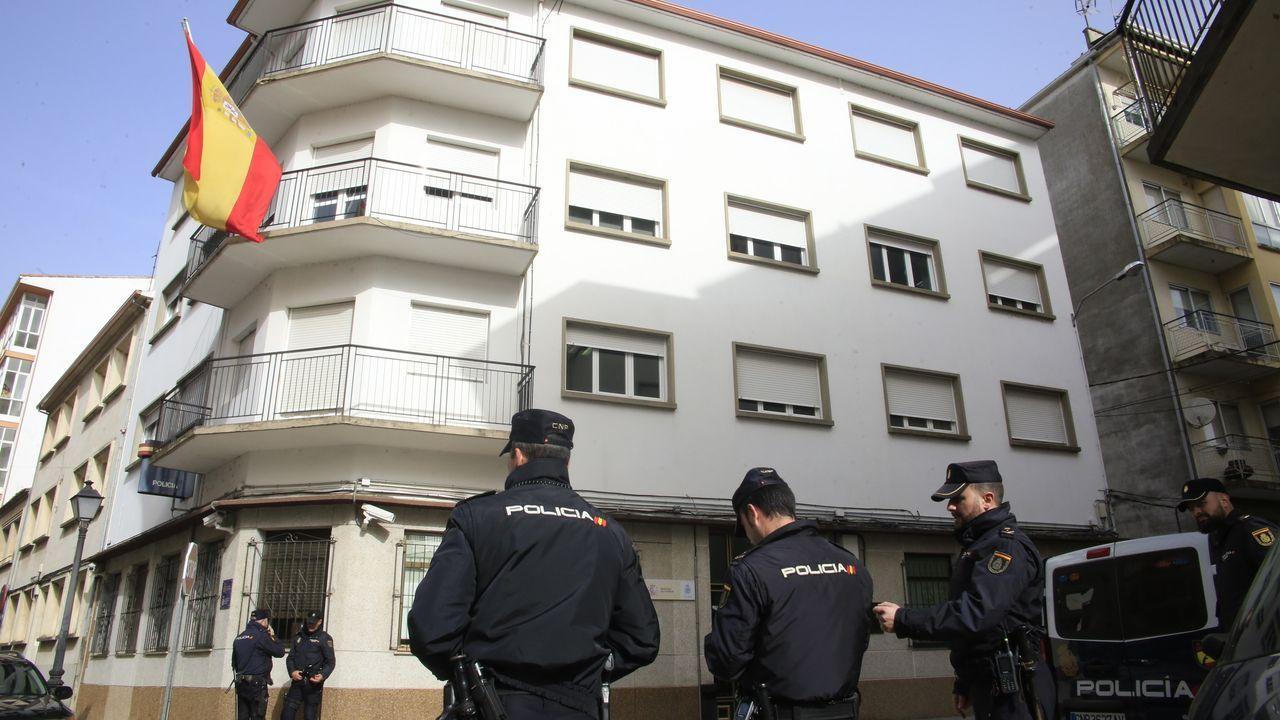 La Policía blinda la comisaría de Monforte dentro de una operación contra ventas ilegales de vehículos