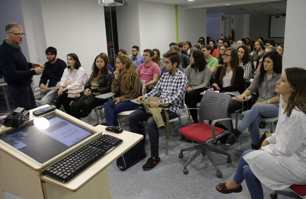 PSOE y Ciudadanos se sientan a la mesa a negociar.Imagen de archivo del PAC de Monforte de Lemos