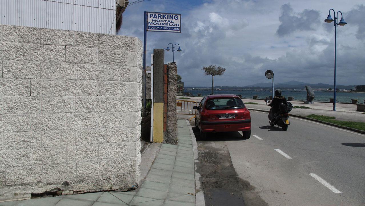 Rutas y rincones de O Salnés.Sanxenxo es el séptimo concello gallego con más gallineros censados como el de Danilo, en Altín