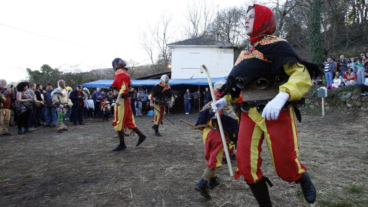 Imágenes que dejó un soleado domingo de carnaval.Katova expone en A Pastoriza