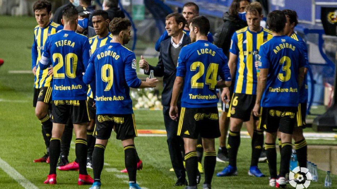 Carlos Hernandez Lucas Ahijado Kaxe Real Oviedo Ponferradina Carlos Tartiere.Ziganda dando indicaciones a sus futbolistas
