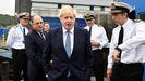 El primer ministro británico visita el portaaviones HMS Victorious con el secretario de Defensa, Ben Wallace
