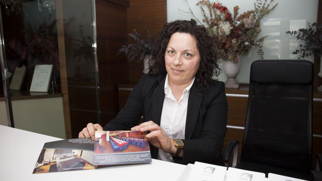 Carmen Riveiro enseña su oficio en el Castillo de Vimianzo