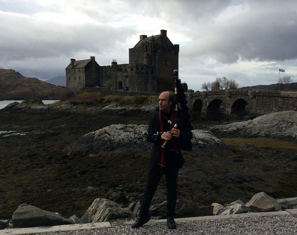 Carlos Núñez vén de pasar varias semanas en Escocia co gallo das súas investigacións musicais.