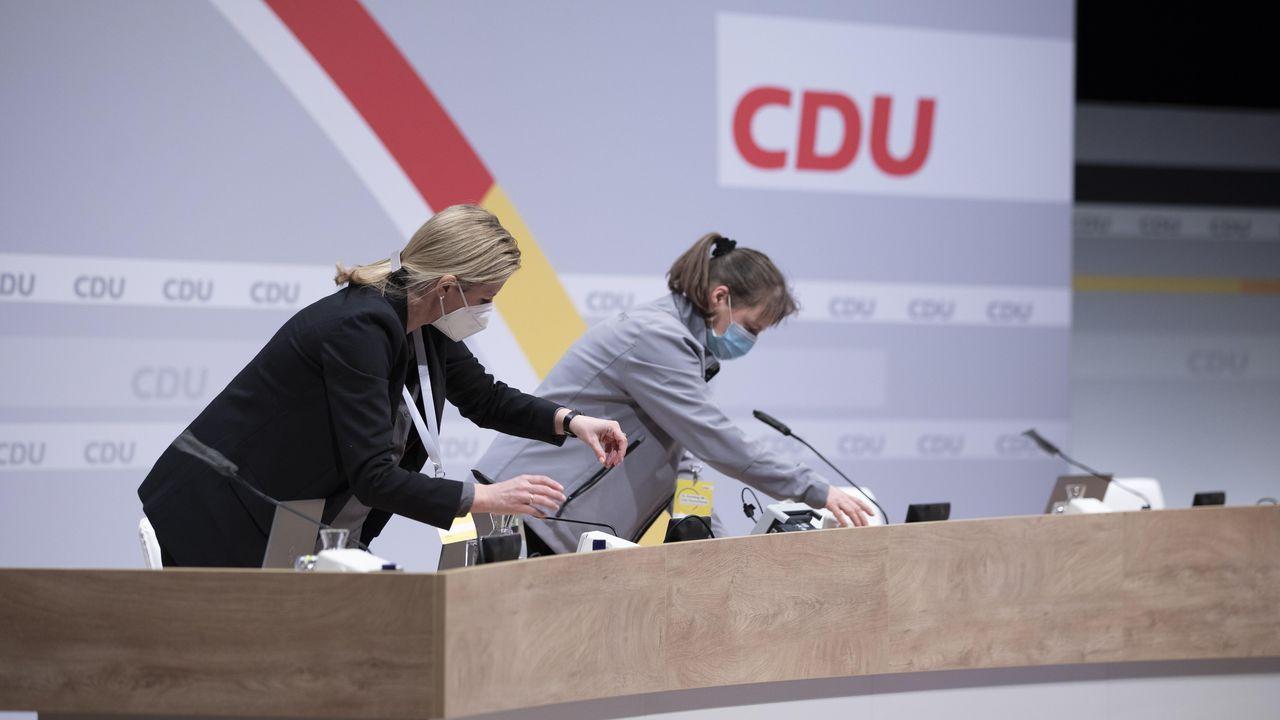 Preparativos para el congreso que elegirá este fin de semana al sucesor de Angela Merkel al frente de la CDU