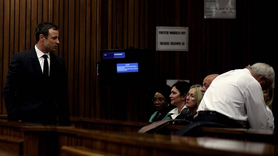 Los padres de Reeva Steenkamp han asistido a la última sesión del juicio contra Pistorius