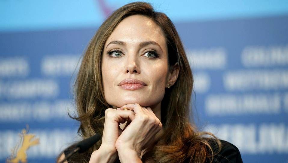 Angelina Jolie - Sexy