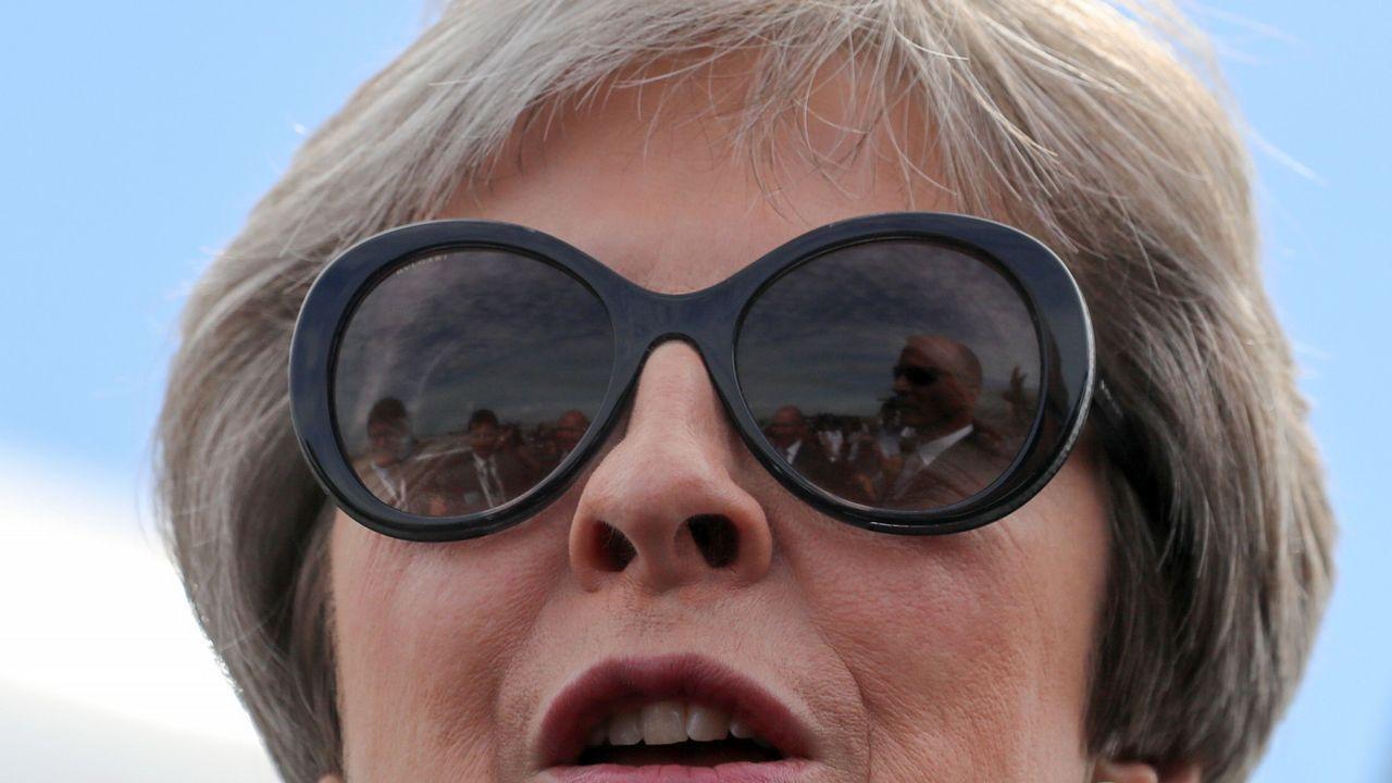 Theresa May anuncia su dimisión.May tuvo que endurecer los reglamentos aduaneros