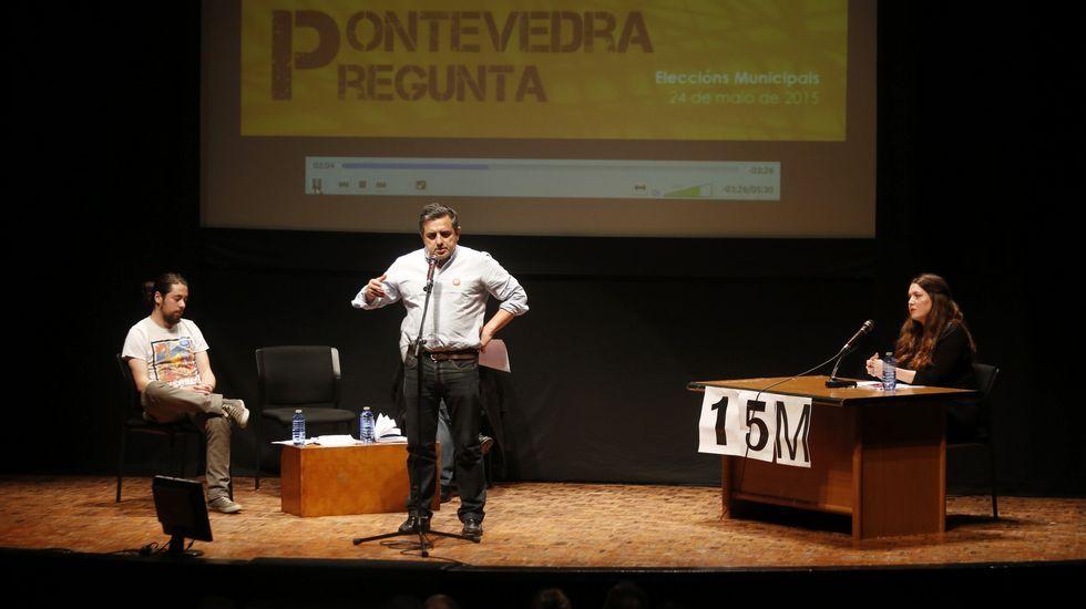 El colectivo «15-M» organizó un debate electoral en Vigo