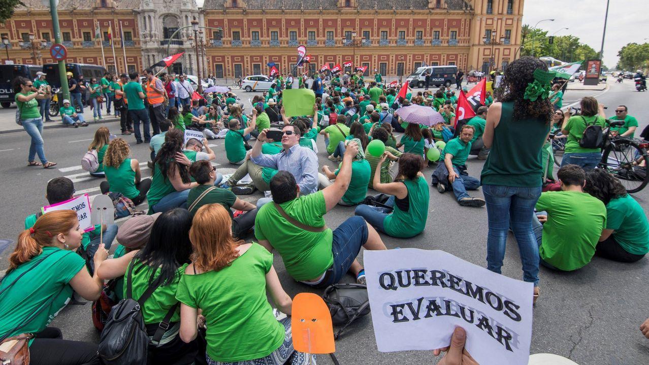 Estos son los momumentos incluidos en Industriana.Profesores interinos se manifiestan en Sevilla en defensa de la estabilidad de los veinte mil empleos de este colectivo