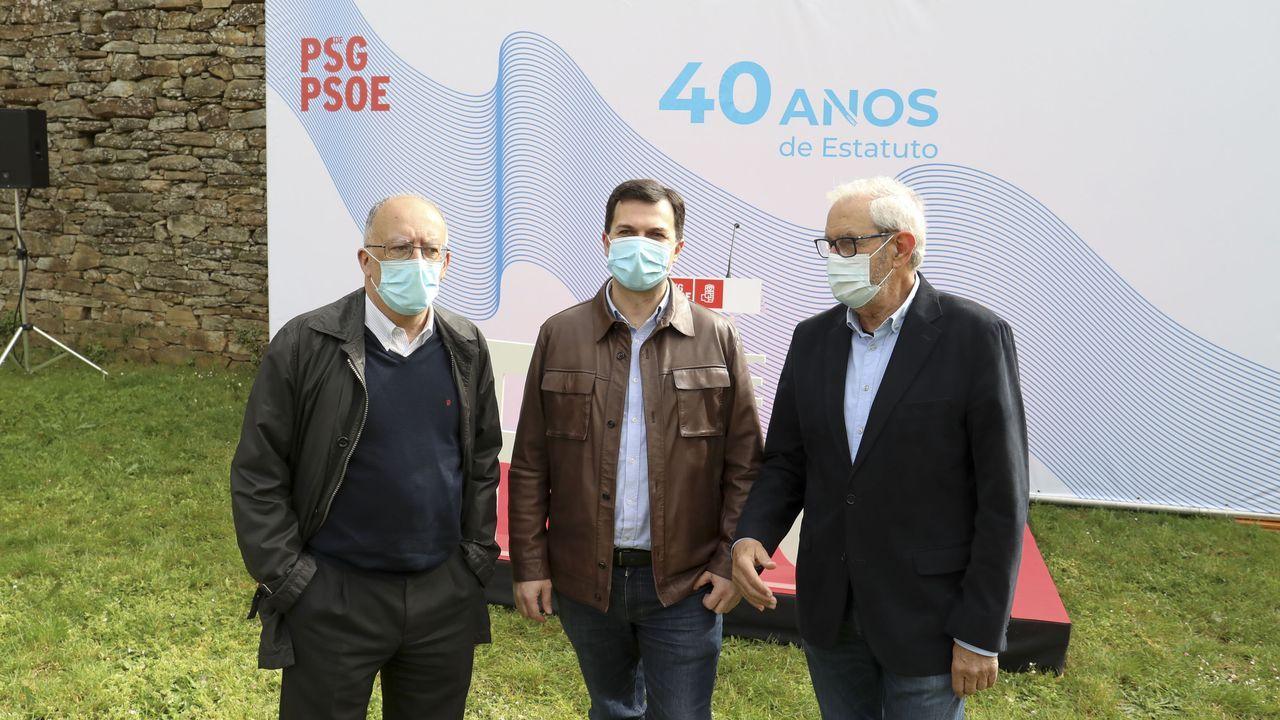 Fernando González Laxe, Gonzalo Caballero e Emilio Pérez Touriño, nun acto de homenaxe ao estatuto de 1981