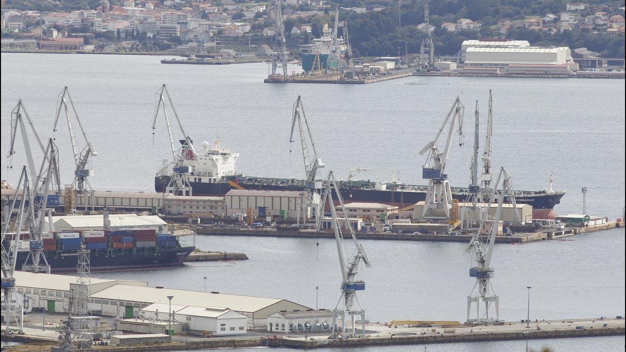 El vídeo de Somos para exigir a Pedro Sánchez que impulse la negociación por La Vega.Julio Abalde también presentó el nuevo edificio de investigación del campus de Ferrol