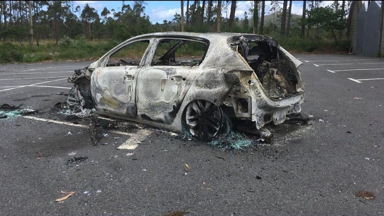 Incendio en una casa Negueira de Muñiz.Juan Luis Poladura