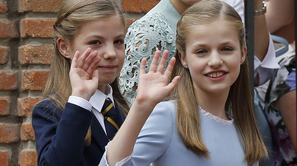 La princesa Leonor, en su última aparicion pública, en la comunión de su hermana Sofía.