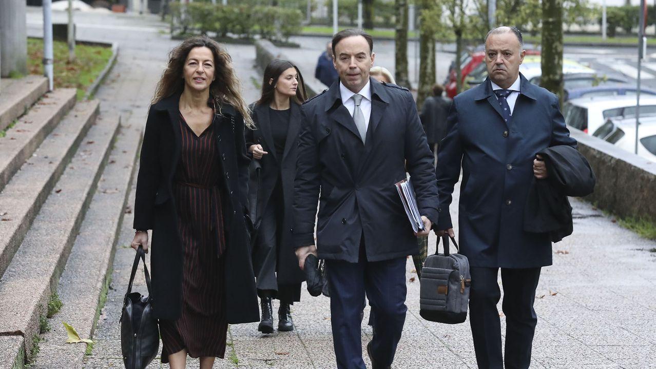Primer día de juicio por la muerte de Diana Quer. Juan Carlos Quer llegando al juzgado