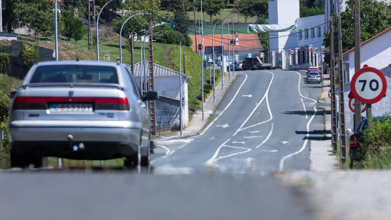Comercios cerrados en la ciudad de Ferrol debido a la pandemia y al estado de alarma