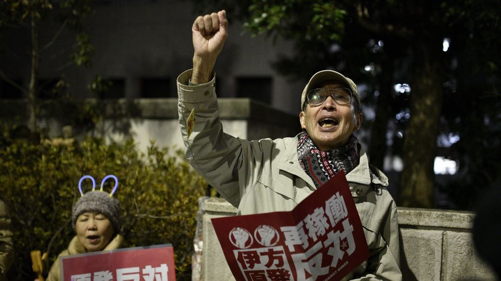 Manifestantes en Tokio en una protesta contra la reactivación nuclear.