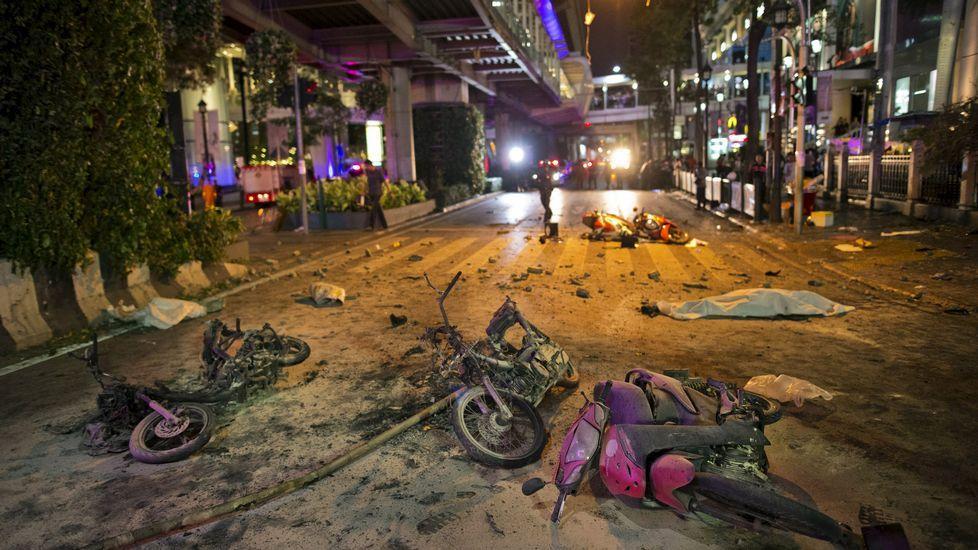 Las imágenes del atentado en Bangkok.Vehículo en el que la policía tailandesa trasladó al sospechoso