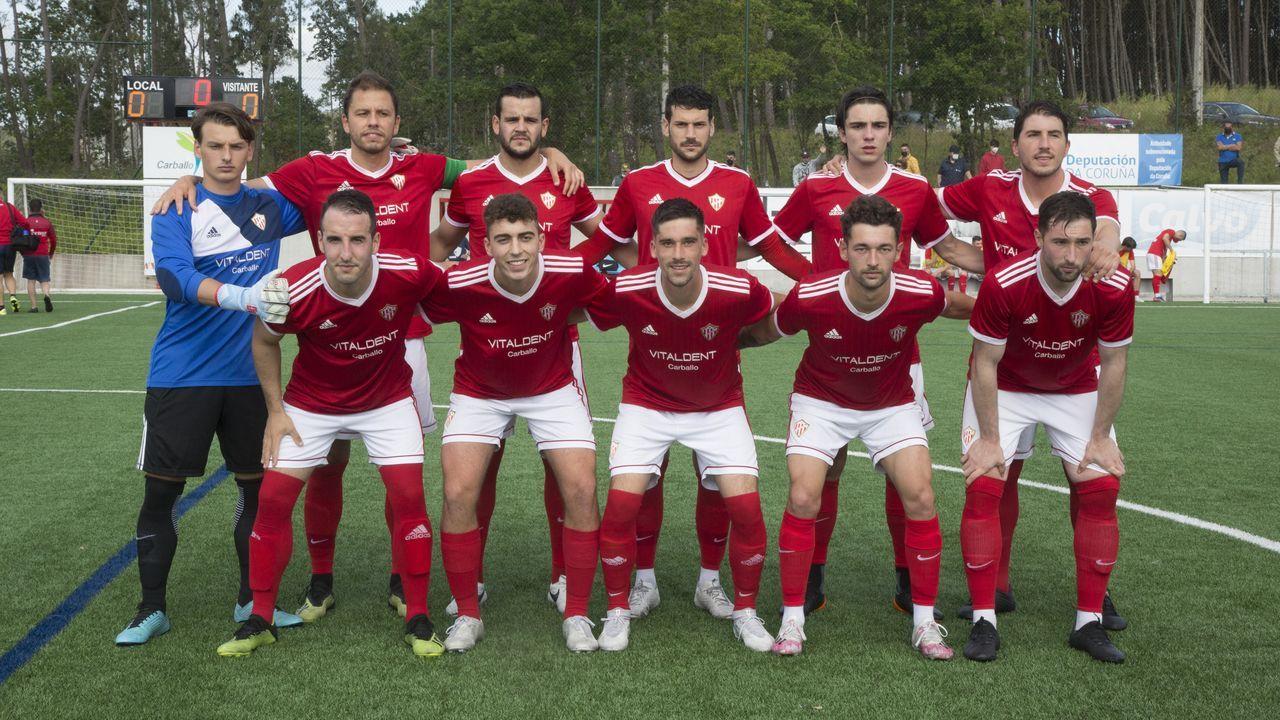Las imágenes del partido entre el Arousa y el Estradense.El lateral derecho vigués ha sido uno de los hombres clave en la temporada del club rojillo