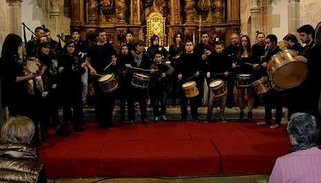 Actuación da pasada fin de semana que ofreceu o grupo Herba Grileira dentro da Semana da Música.