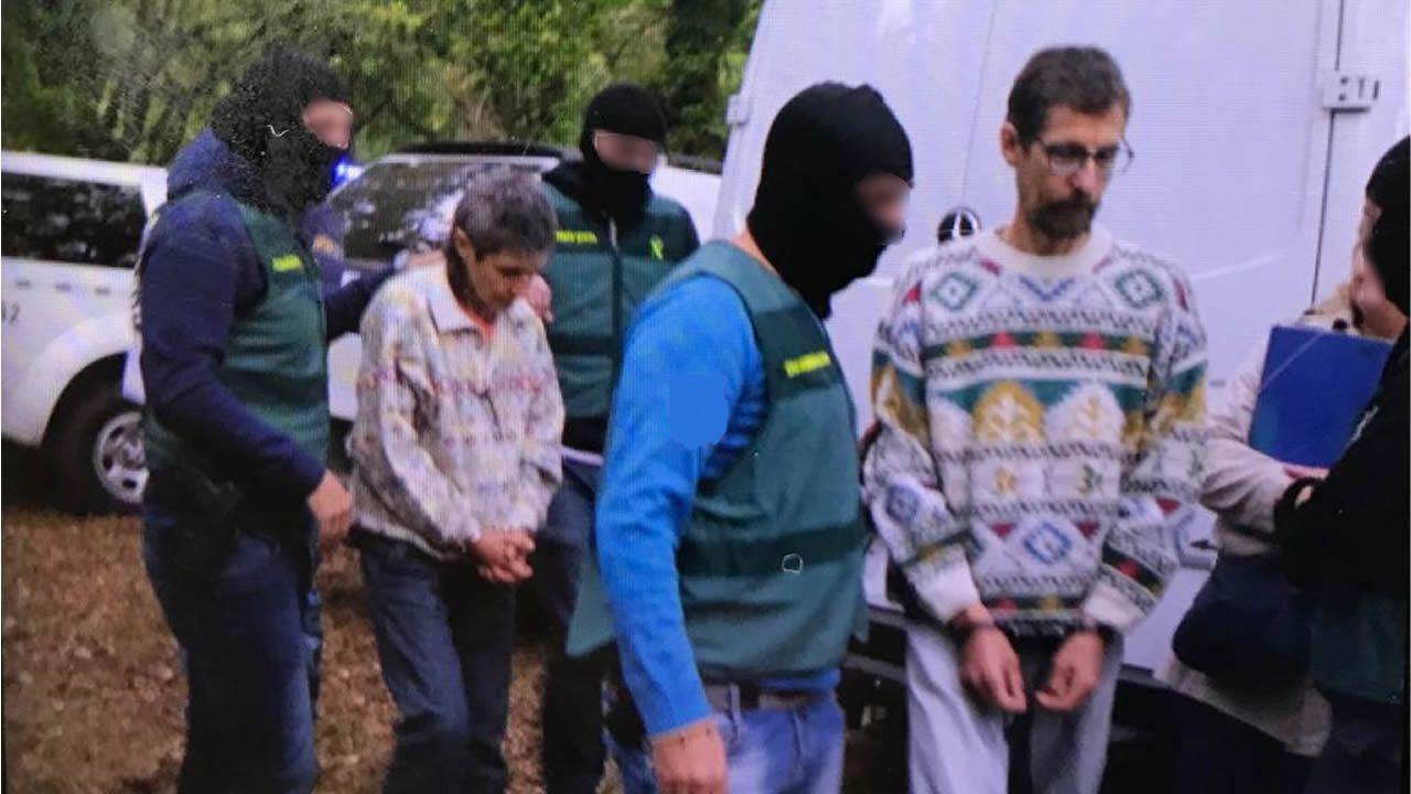 Registros en la casa deFornelos de Montes en la que se escondían los líderes de Resistencia Galega.Toninho, durante el registro del pasado sabado en Fornelos de Montes