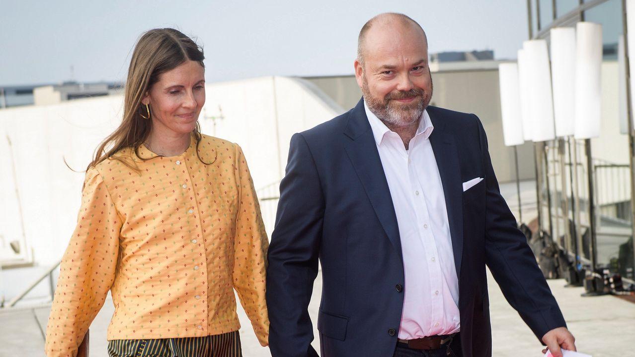 A sus 46 años, Povlsen está casado en segundas nupcias con Anne Storm Pedersen. Se conocieron cuando ella comenzó a trabajar en el departamento de ventas de ASOS. En la imagen de archivo, a su llegada a la fiesta por el 50 cumpleaños del príncipe heredero de Dinamarca