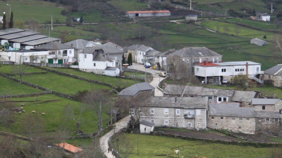 Vista de Celeiros, núcleo urbano de Chandrexa de Queixa