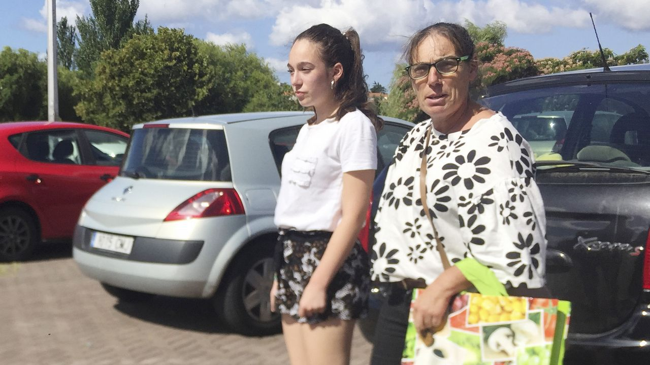 Zara se reposiciona en Milán.Marta Ortega con Beatriz Padin y Oscar Pérez Marcote
