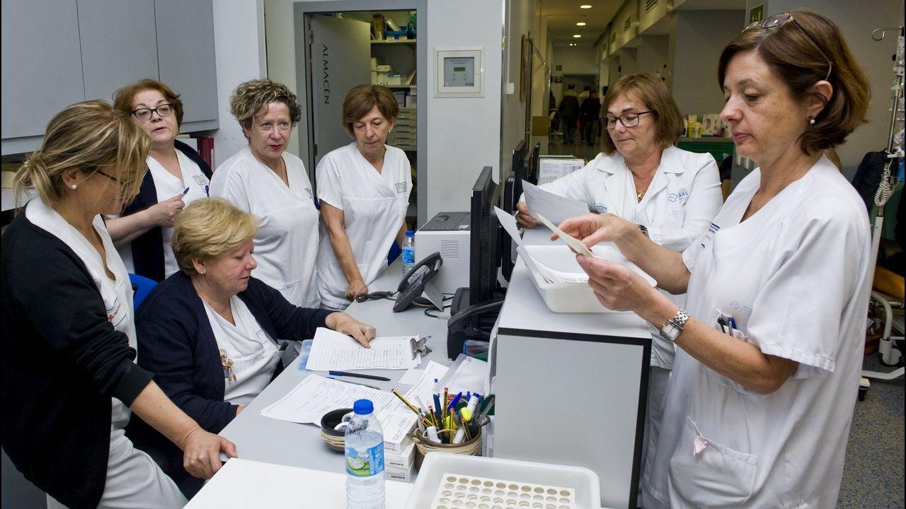 Rebajas adelantadas en una tienda de Oviedo.Imagen de archivo de las enfermeras del Hospital de Día de Oncología en el Materno