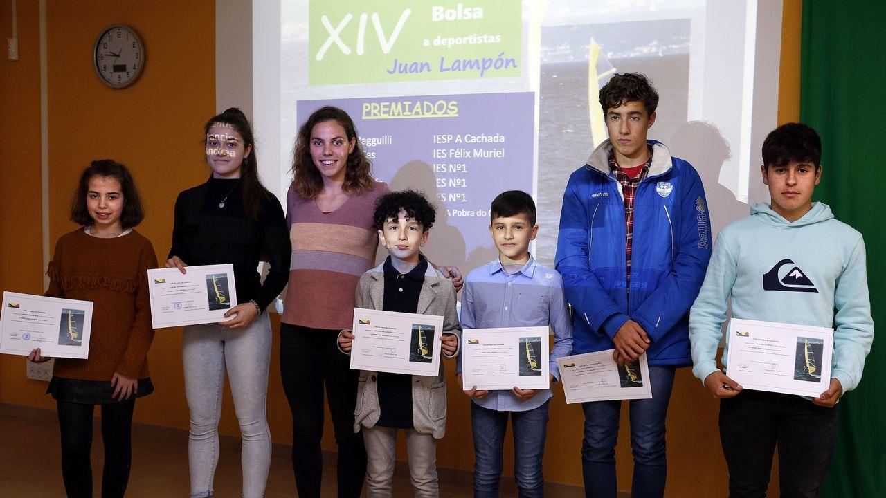 María Vilas entrega las becas Juan Lampón en su 14 edición. Presentación en Oviedo del Tour Universo Mujer