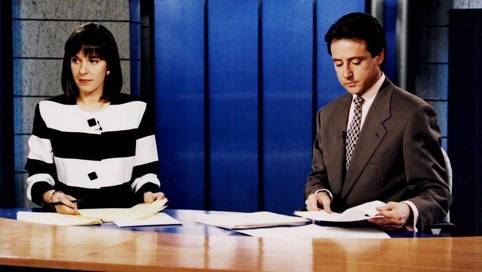 Ana Blanco presentando el informativo nocturno en 1995 con Matías Prats