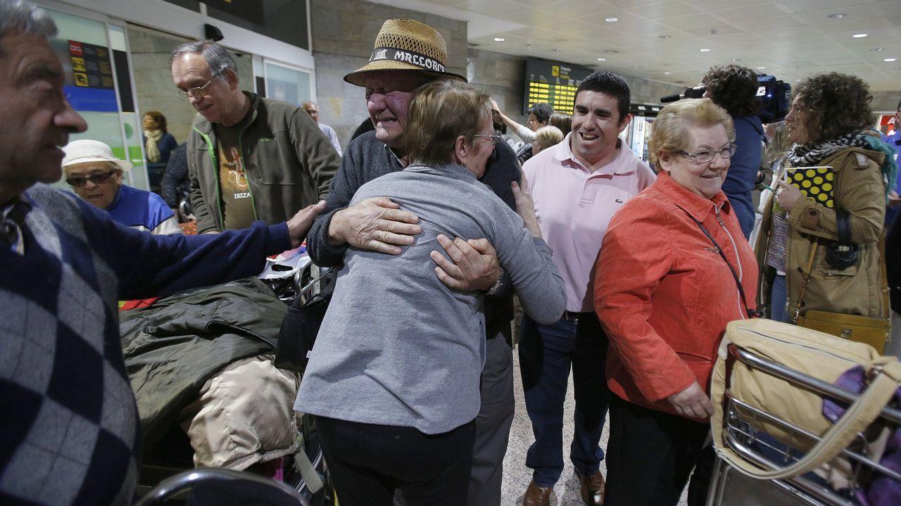 Pol vive su fiesta del emigrante.Llegada de emigrantes gallegos del programa Reencontros