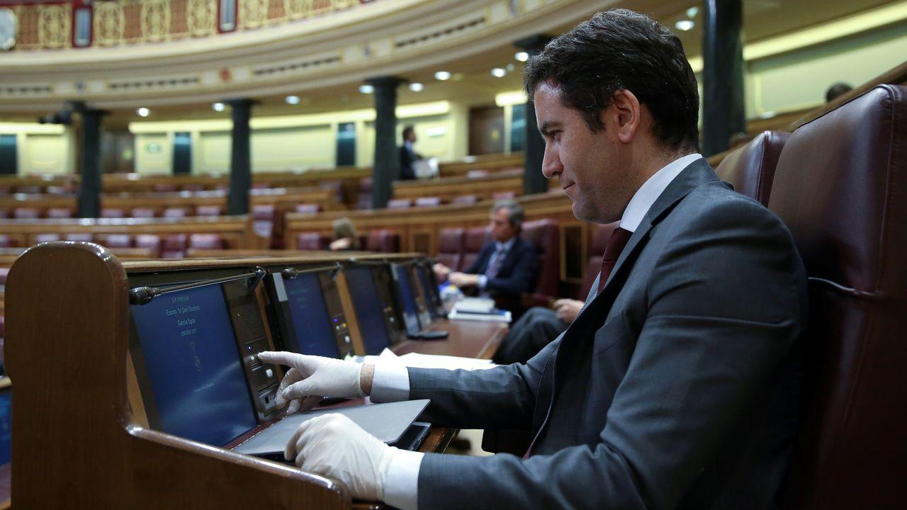 El 91,4% de los españoles está a favor de grandes pactos políticos para afrontar la crisis.José Félix Tezanos dirige la revista  Temas