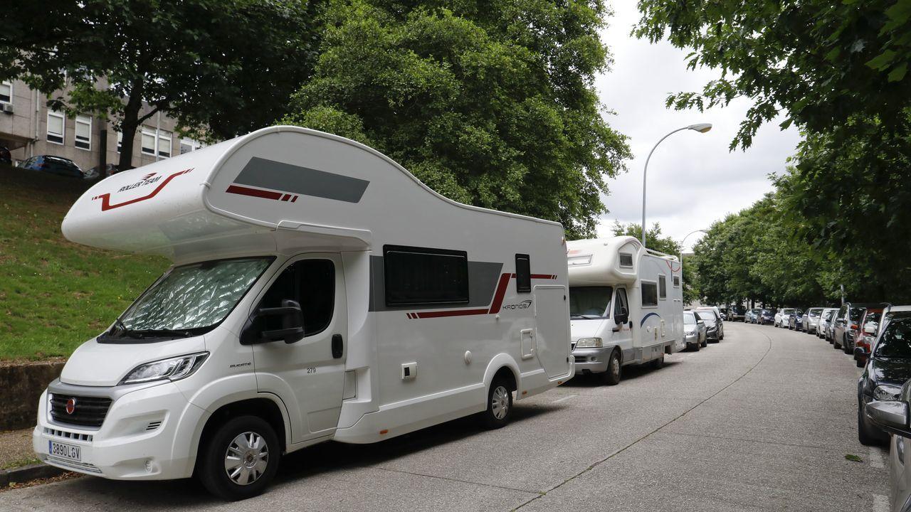 Caravanas en todos los rincones de Santiago.Los trayectos que ofrece la aplicación no son los más prácticos para los conductores