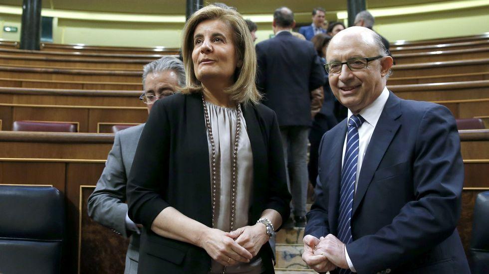 Aznar califica de «incompleta» la ruta del Gobierno para recuperar la Economía.El pleno de la Junta General del Principado en su constitución.
