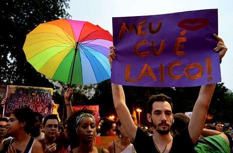 Activistas gais se manifiestan durante la visita del papa a Río de Janeiro, el pasado día 22.