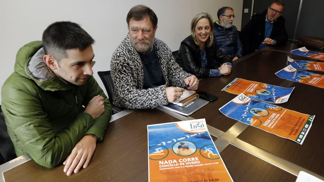 Iglesias (edil de Deportes), Villanueva (Tripenta Terras de Lugo), Loureiro, Rodríguez y Quintela (Egovarros), en la presentación en el Concello del Nada e Corre de Viveiro