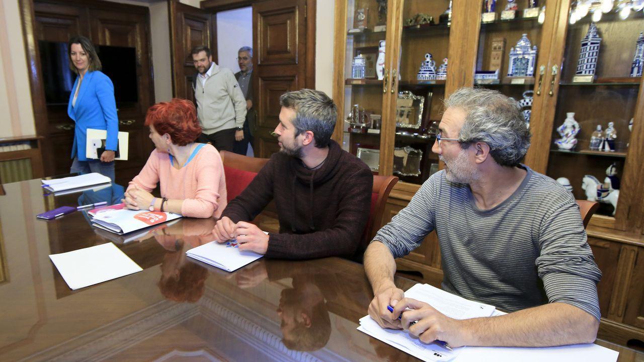 Rafael Arangüenza, a la izquierda, junto a Gonzalo Caballero y Leiceaga