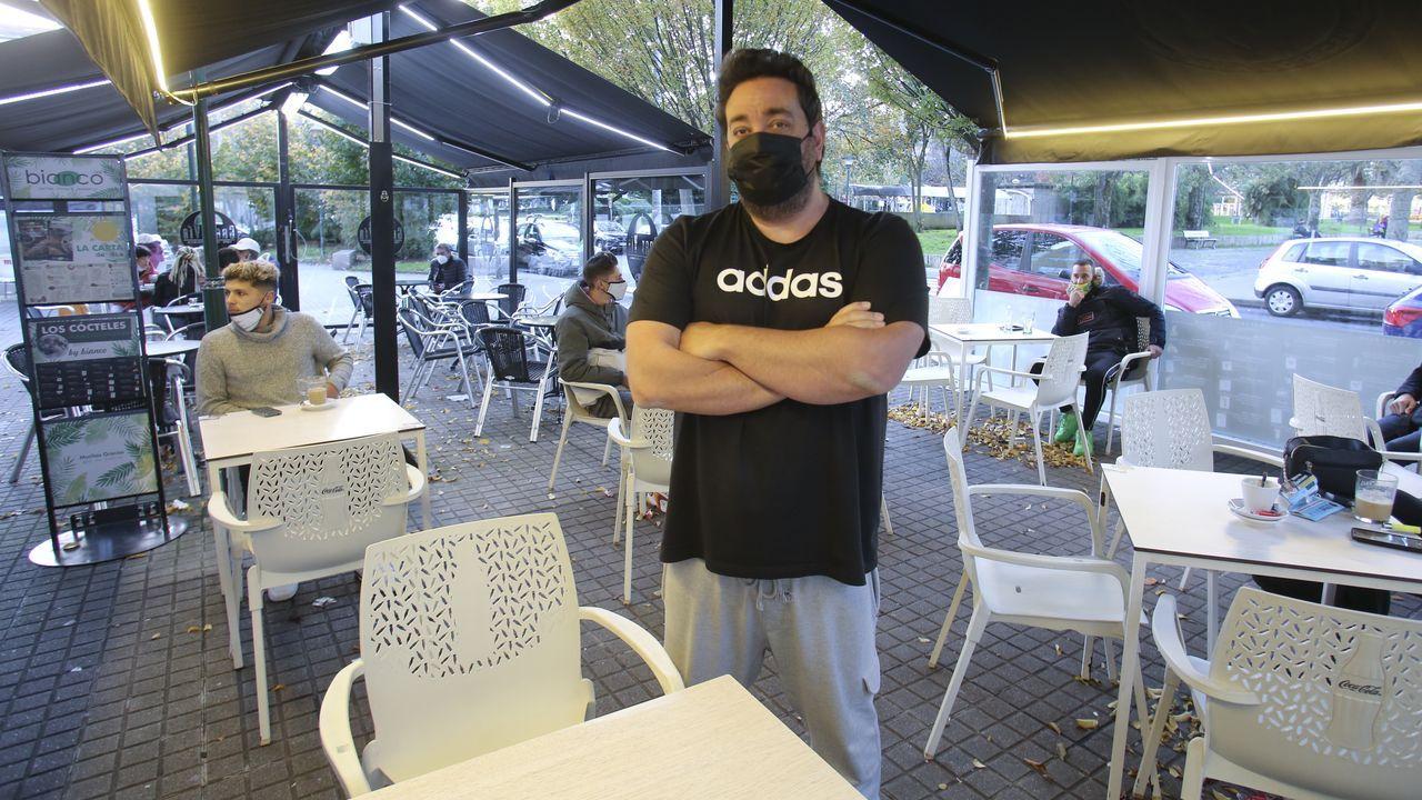 Julio Campoy, dueño del Bianco Café, en Ferrol, y La Suite, en Narón