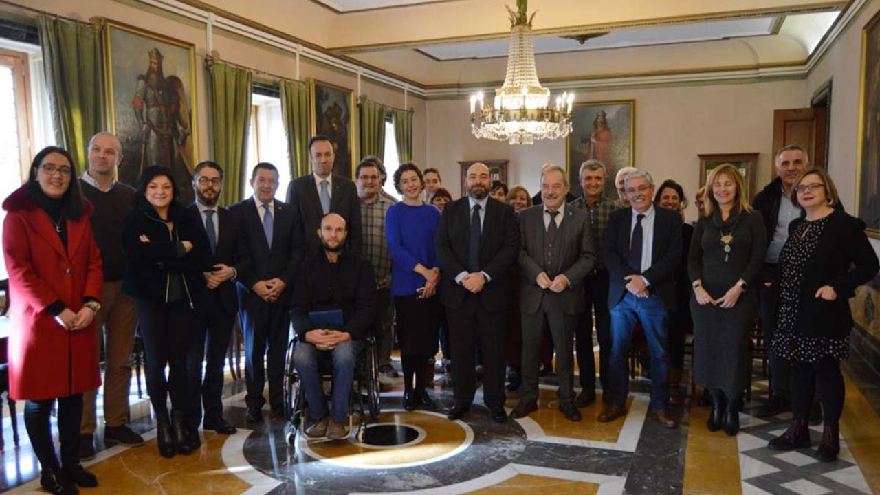 Complejo de la fábrica de armas.El Ayuntamiento de Oviedo homenajea a Luis Manuel Flórez García, «Floro»