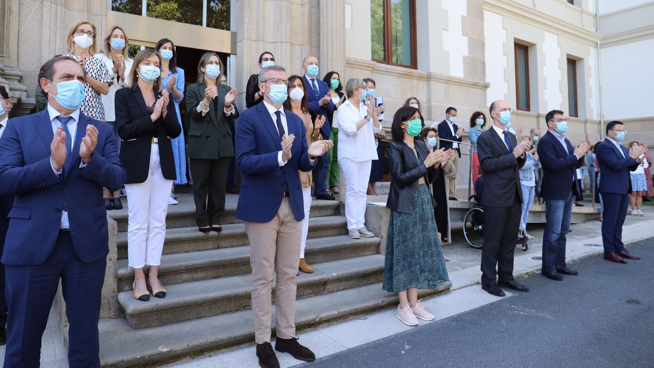 El gobierno gallego ha participado en la concentración y minuto de silencio en recuerdo de las víctimas del coronavirus en San Caetano