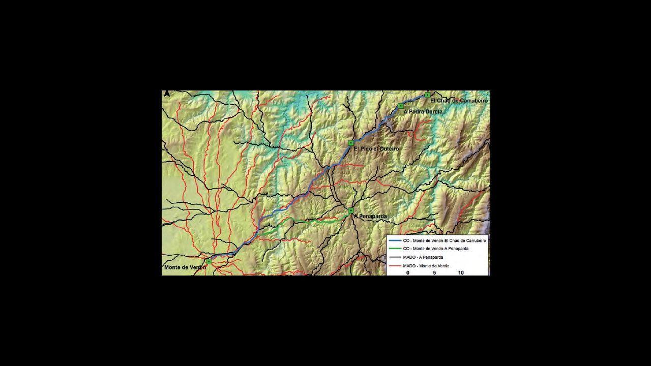 Propuesta de línea de avance de las tropas romanas que entraron a Galicia por Asturias y creando campamento en A Penaparda (A Fonsagrada) y Monte de Ventín (Pol)
