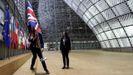 La retirada discreta de la Union Jack de las instituciones de la UE marcaron el adiós oficial de Bruselas a Reino Unido